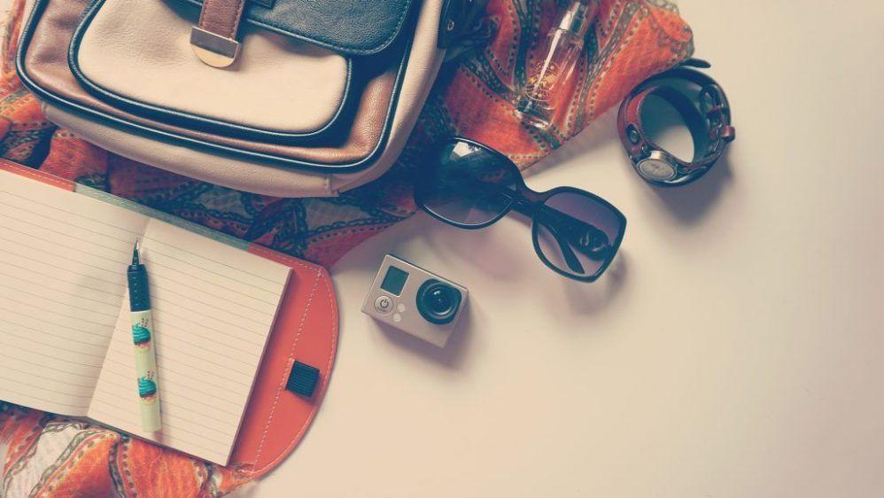 Los artículos de belleza que siempre debes llevar en tu bolso